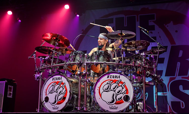 Mike Portnoy - DRUMMERWORLD