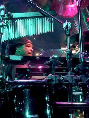 Carter Beauford Drummerworld