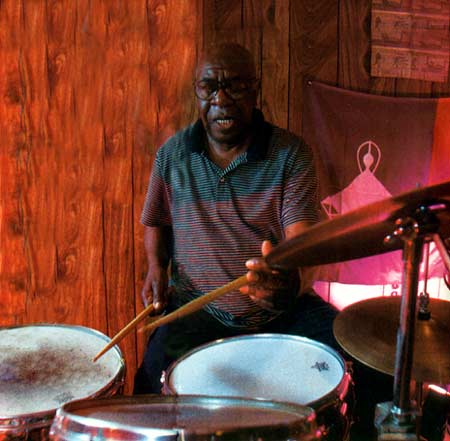 Mickey Roker Drummerworld